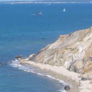 Marthas-Vineyard-cliffs-travel-vacations